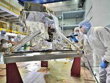 <a href='http://www.nasa.gov/images/content/724709main_miriinspection_lg.jpg' class='bbc_url' title='External link' rel='nofollow external'>� Larger image</a><br /> Contamination control engineers<br /> conducted a &quot;receiving inspection&quot;<br /> of the Webb telescope&#39;s Mid-Infrared<br /> Instrument (or MIRI) in the giant<br /> clean room at NASA&#39;s Goddard Space<br /> Flight Center in Greenbelt, Md.<br /> Credit: NASA/Chris Gunn