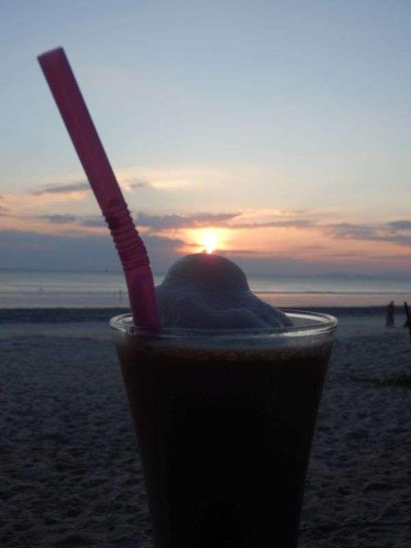 Coffee Shake zum Sonnenuntergang